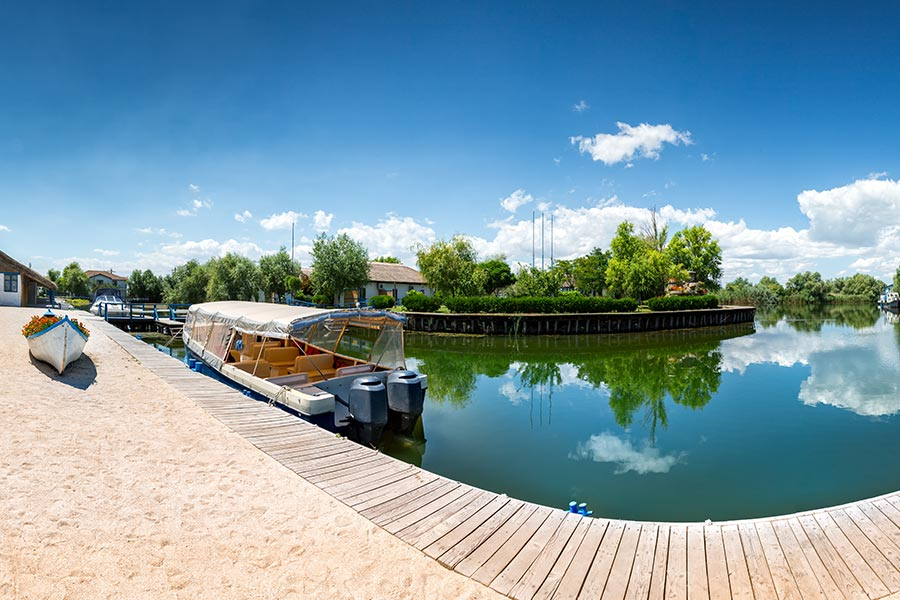 resort in delta la Gura Portitei
